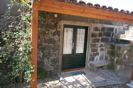 Casa de Pedra no Campo - Villa