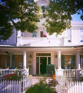 "Hays House: ""The Pearl"" - Apartamento"