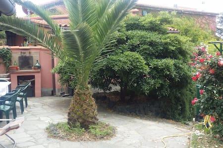 """Residenza """"Bosco delle Ninfee""""a pochi km dal mare - Villa"""