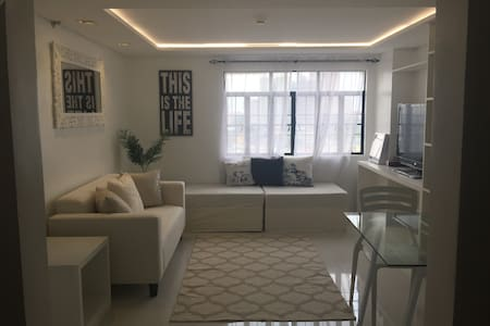 Clean & Bright One Bedroom Loft in Mandaluyong - Wohnung