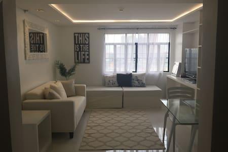 Clean & Bright One Bedroom Loft in Mandaluyong - Lyxvåning
