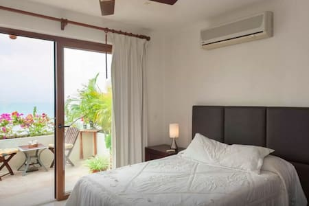Beachfront Retreat Resort Amenities