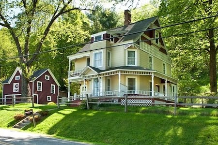 Gorgeous Victorian in Wassaic - Wassaic - Rumah