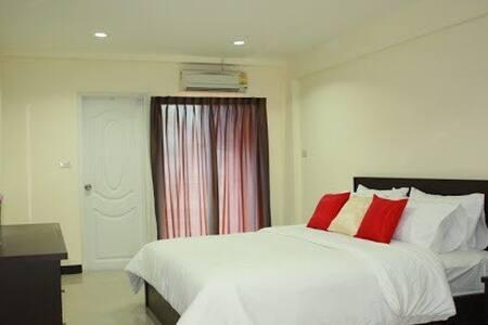 Big Private Room, Near MRT, Bangkok - Appartement