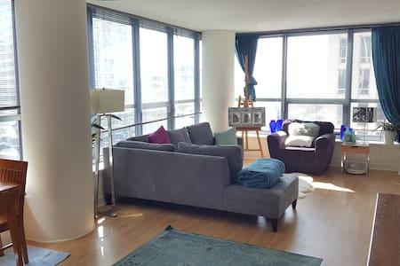 Chicago Vacation Rentals Condo Rentals Airbnb Chicago Vacation Renta