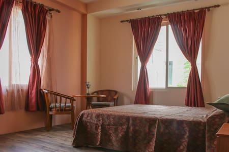 Green Hill Villa - A Perfect Holiday Hub in Nepal - Nagarjun - Villa