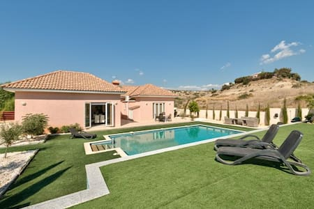 Stunning New House with 12m pool - Pyrgos - Bungalow