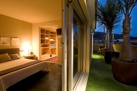 Superb, ample, lovely, Rooftop Apt - Marbella - Apartment