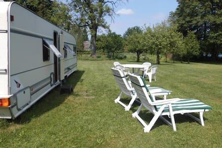 Urlaub im großen Campingwagen am Waldsee - Lübtheen