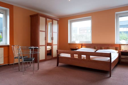 Lovely, comfy studio 12min to CENTRE (subway) #1 - Prag