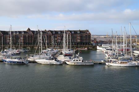 Merseyview Apartment, Liverpool Marina - Liverpool - Apartment