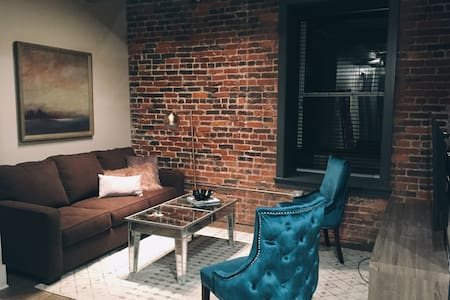 Banner Lofts no. 304 > Downtown District - Nashville - Loft