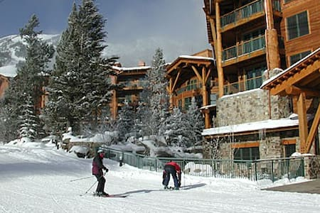 3 BR luxury - Teton Club - Steps to gondola & tram - Teton Village - Appartement en résidence