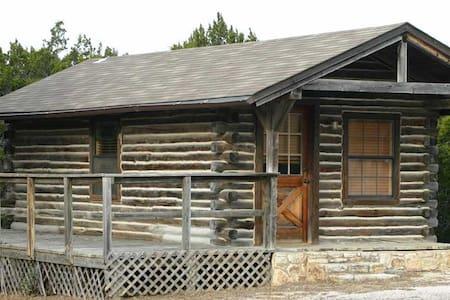 Whitetail Cabin at Flat Creek Crossing Ranch - Cabaña