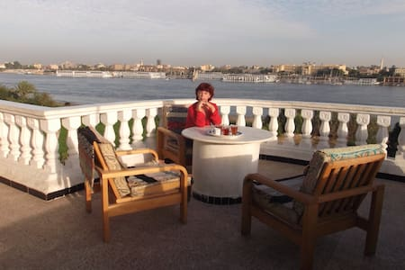 Sunny roof top Nile view apartment - Apartment