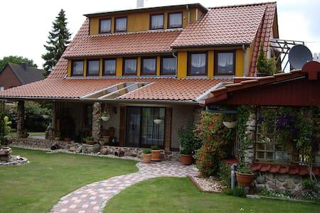 Tolles Ambiente in schöner Natur - Lägenhet