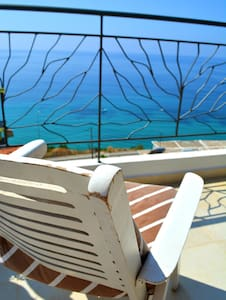 Double Room with Garden Balcony I - Bed & Breakfast