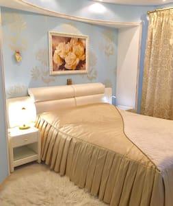 Шикарная комната с евроремонтом - Sankt-Peterburg