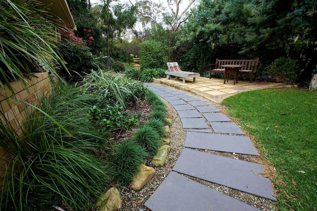 Hills Adda Instant Garden : Adelaide hills garden haven rms houses for rent in
