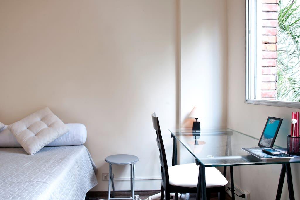 Cozy room near Oscar Freire n Metro