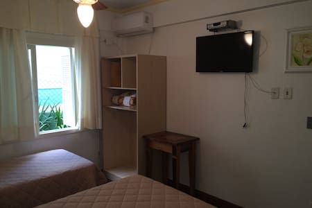 Hotel House - Bed & Breakfast