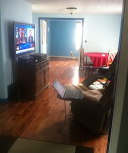 Newly remodeled upstairs apartment  - Panama City - Apartment