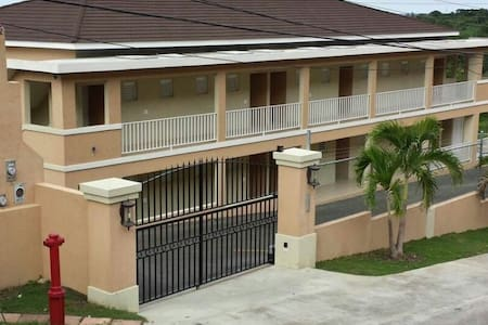 Montego Bay Flat - Close to Beach - Appartement
