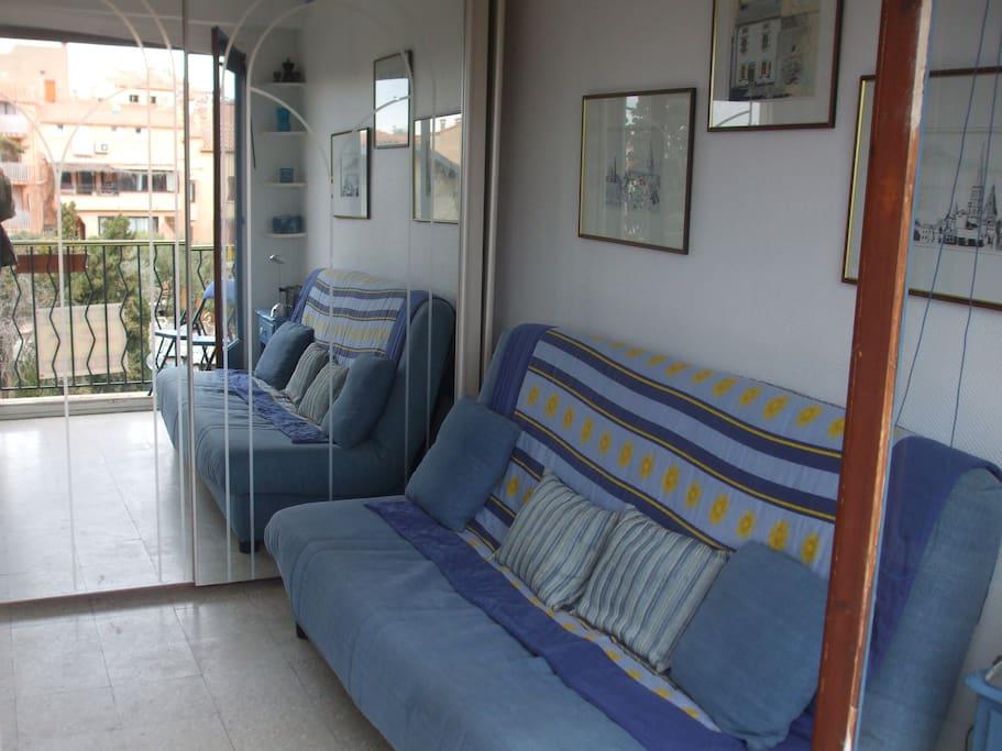 clic-clac double sofa bed