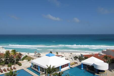 LAGOON VIEW PH UNIT ON BEACH B703
