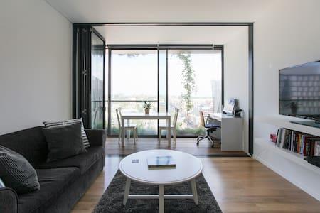 Luxury Apartment Heart of Syd CBD - Chippendale(齐本德尔)
