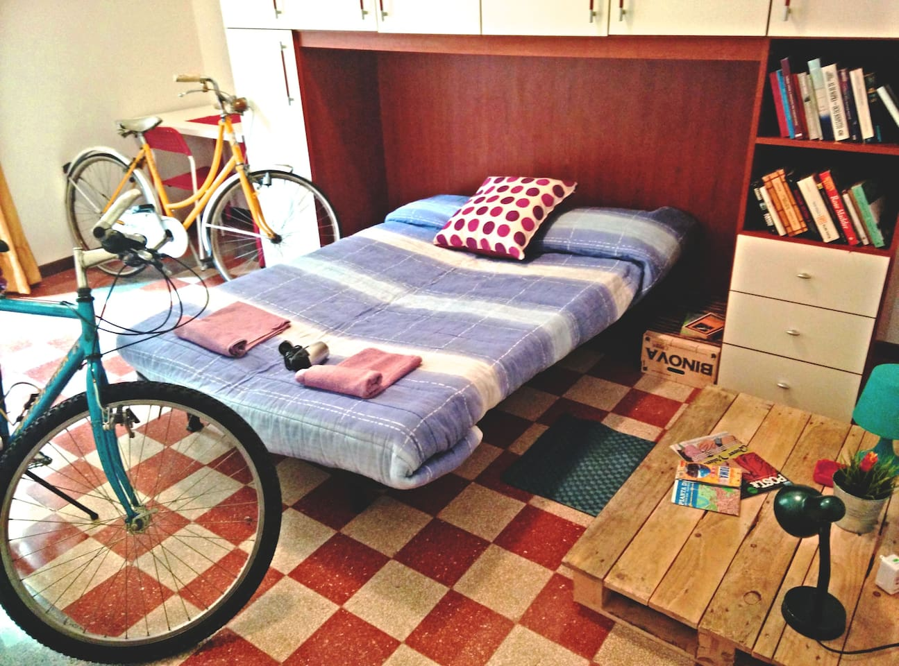 room with bikes, what else ?