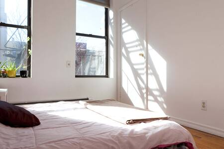 Room for Rent Amazing Location - New York - Apartment