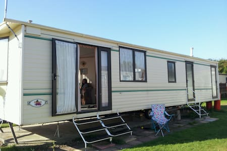 Carnaby Claret Static Caravan  - Leysdown-on-Sea