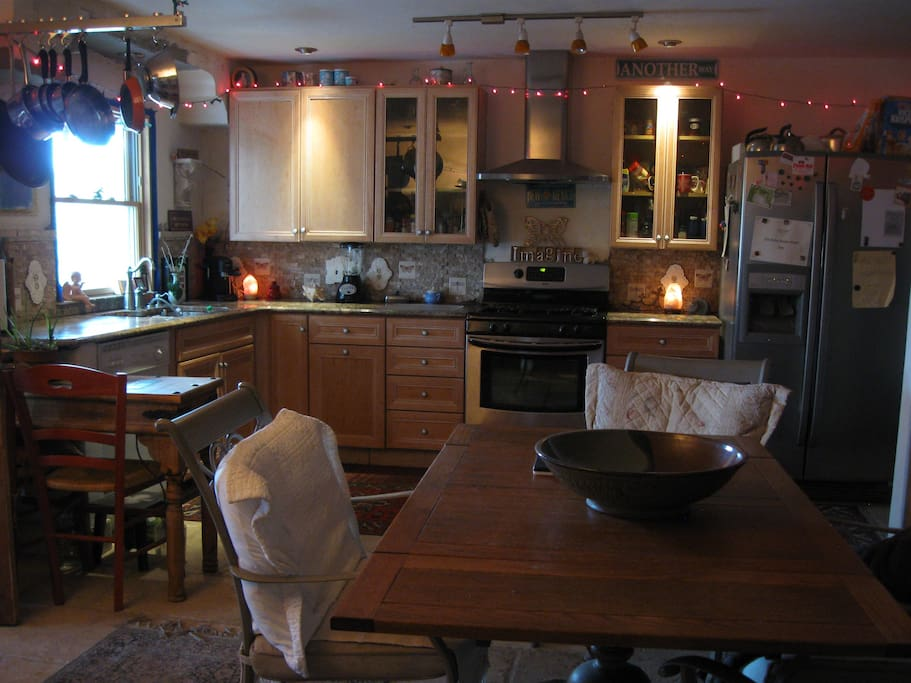 Kitchen Dining Room open 24/7 for guests use