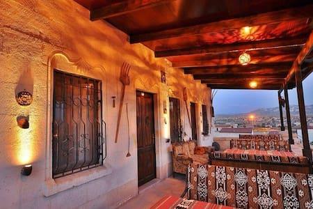Wonderful cave hotel in Kapadokya - Bed & Breakfast