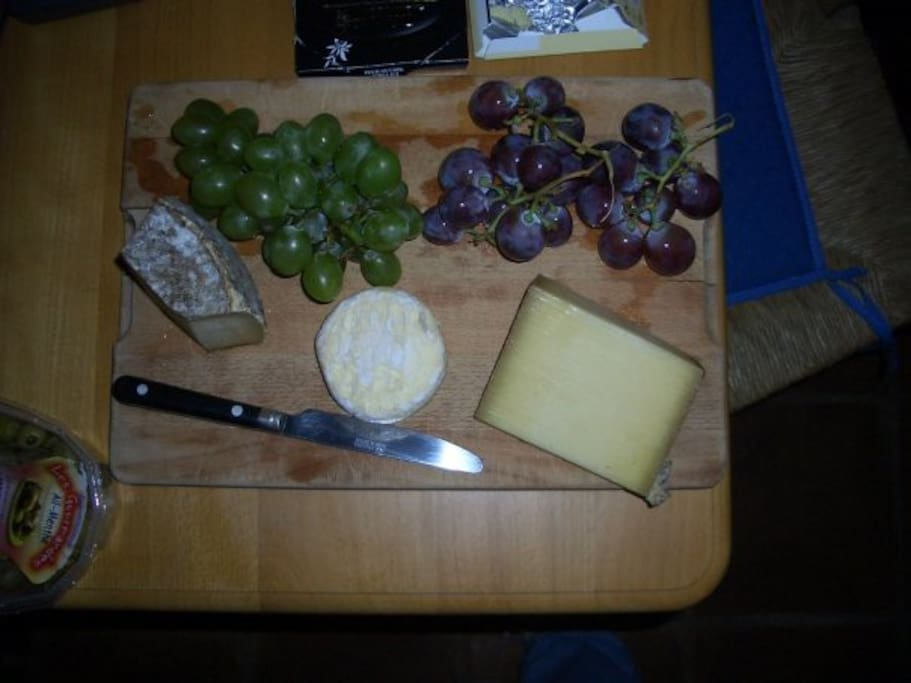 There is nothing better than a nice glass of red wine and a cheese board sitting chatting on our terrace. :-))