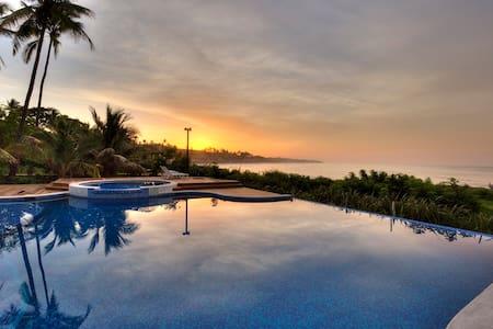 Tropical Retreat, Eco Resort - La Libertad