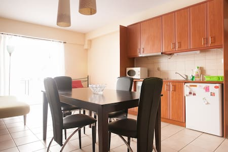 modern house 7 min from acropolis - Athina - Apartment