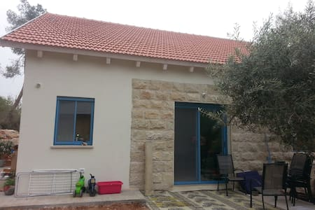 New house in Maale Hachamisha - Σπίτι