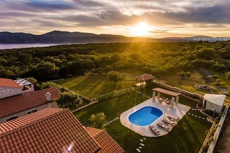 Adriatic villa II in Croatia, - Linardići - Villa