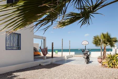 Ecléctica Habitación frente al Mar - Σπίτι