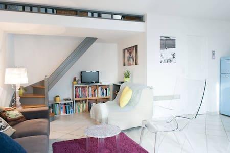Chambre en campagne rochelaise - Maison