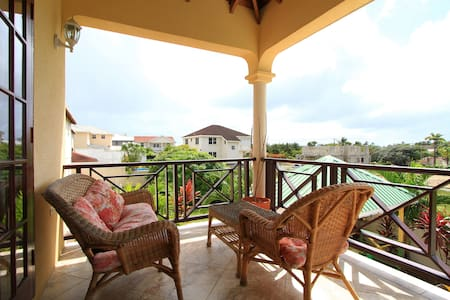 Sungold House Hibiscus 2 bedrooms - Douglas - Casa