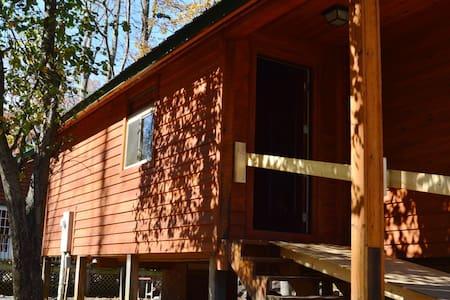 Revelles River Retreat - Bunkhouse - Elkins - Sommerhus/hytte