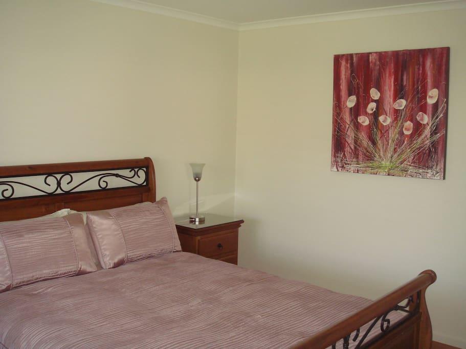 Bedrooms x2 queensize with built-in wardrobes