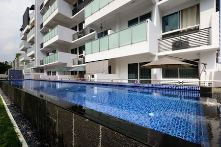 Promo price-Entire penthouse - Singapore