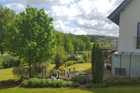 Gemütliche, sehr komfortable Wohnung im Grünen - Detmold