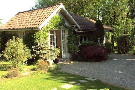 L'Orangerie en Béarn - Bed & Breakfast