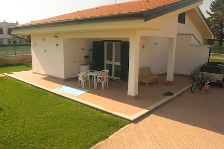 Villino in residence privato  - Mediana Vecchia