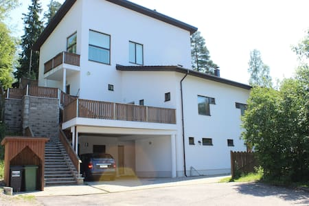 Peaceful and bright apartment in the duplex house. - Vantaa